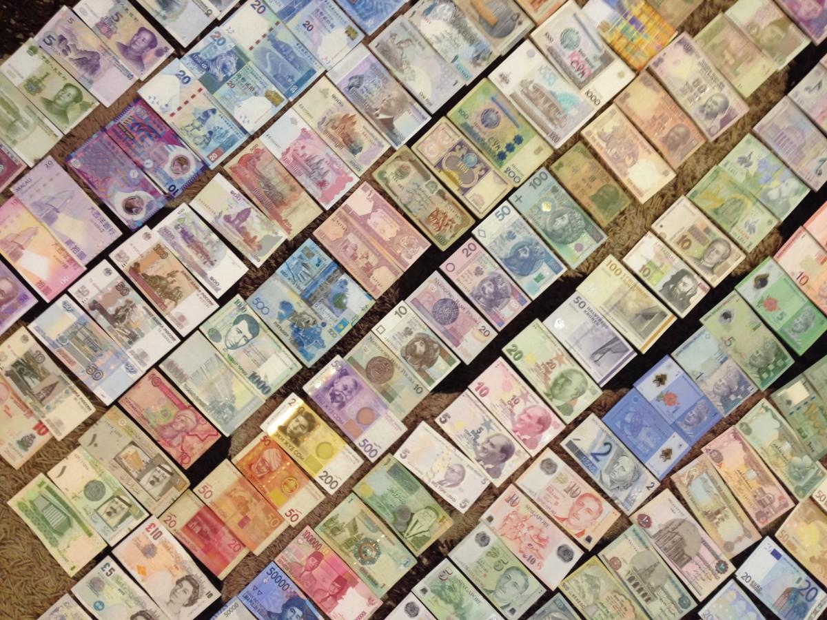 Pomocník s přepočítáváním měn na cestách – XE Currency