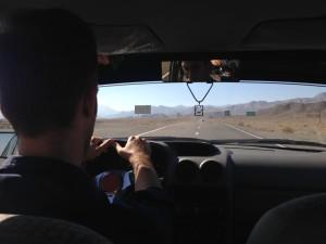 Náš řidič poblíž základny